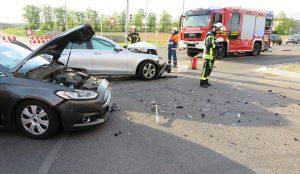 Drei Verletzte bei Verkehrsunfall an der Schlüterkreuzung
